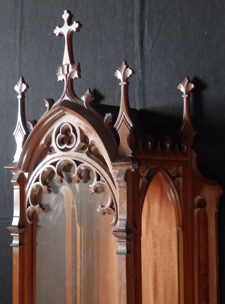 Antigüedades: Hornacina o capilla de estilo neogótico en madera. 93 cm. Hacia 1900. - Foto 7 - 117782198