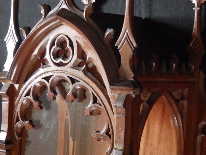 Antigüedades: Hornacina o capilla de estilo neogótico en madera. 93 cm. Hacia 1900. - Foto 14 - 117782198