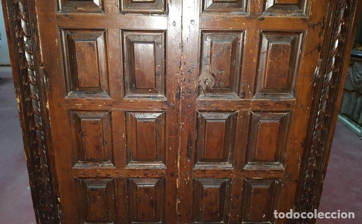 Antigüedades: ALACENA. ESTILO ESPAÑOL. MADERA DE PINO. ESPAÑA. SIGLO XVII - XVIII. - Foto 3 - 112405683