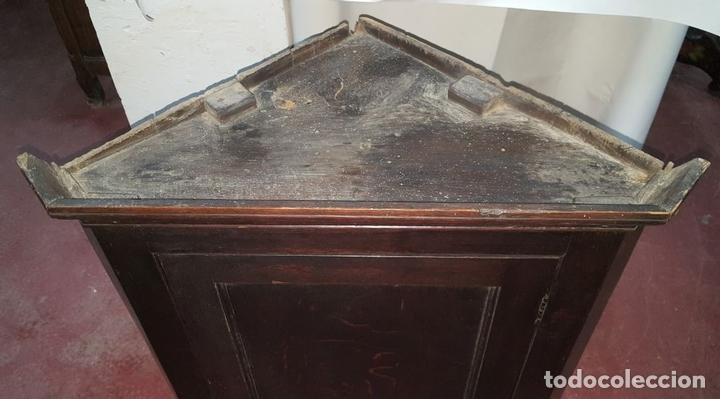 Antigüedades: ARMARIO ESQUINERA. ESTILO INGLES. MADERA ROBLE. PRINCIPIOS DE SIGLO XIX. - Foto 2 - 112410995