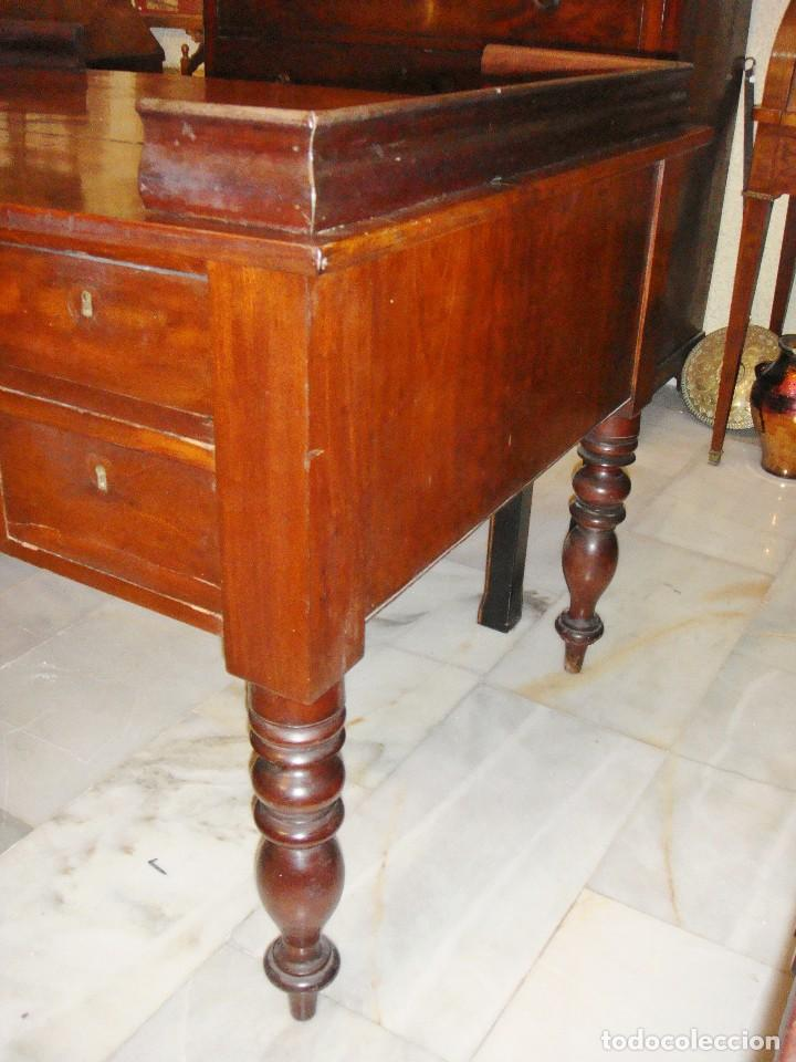 Antigüedades: Magnifica mesa de despacho antigua. S.XIX. Caoba maciza. Con cajones. - Foto 5 - 112420159
