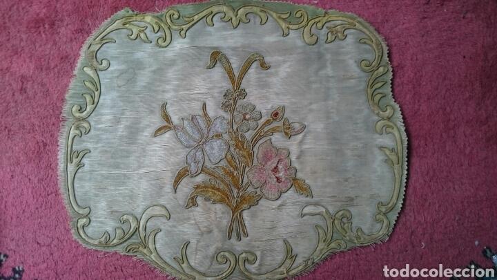 TAPICERÍA SILLAS SIGLO XVIII (Antigüedades - Moda - Bordados)