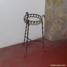 Antigüedades: MACETERO O PEDESTAL DE FORJA.. Lote 112451631