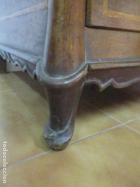 Antigüedades: Antigua Cómoda Catalana - Barroca - Bombeada - Madera Nogal - Marquetería - S. XVIII - Foto 7 - 112483855