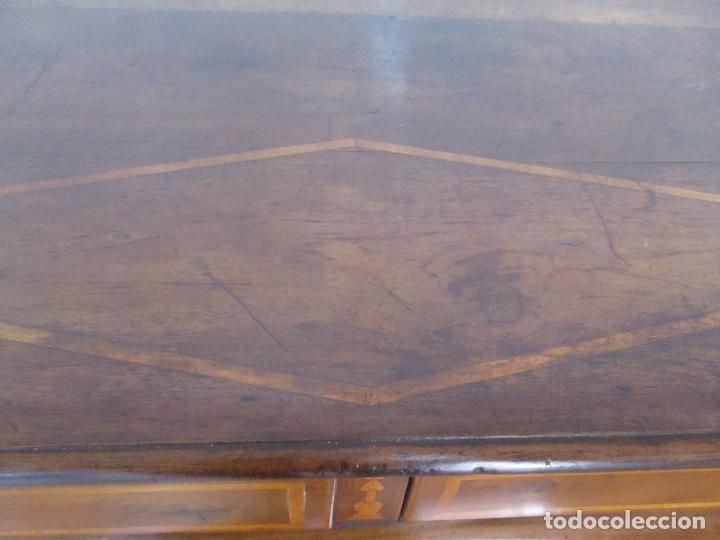 Antigüedades: Antigua Cómoda Catalana - Barroca - Bombeada - Madera Nogal - Marquetería - S. XVIII - Foto 16 - 112483855