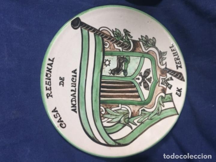 Antigüedades: domingo punter platos plato fluente ceramica vidriada para la casa regional de andalucia en Teruel - Foto 2 - 112495623