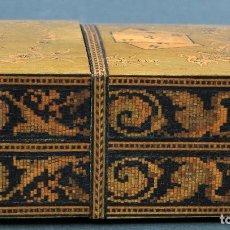 Antigüedades: CAJA DE MADERA INGLESA CON MARQUETERIA PARA BARAJA NAIPES FINALES SIGLO XIX. Lote 112527287
