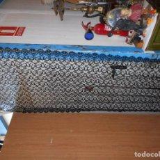 Antigüedades: BELLA MANTILLA EN ENCAJE DE TUL PERFECTO ESTADO MIDE 240 CM POR 105 CM. Lote 112534967