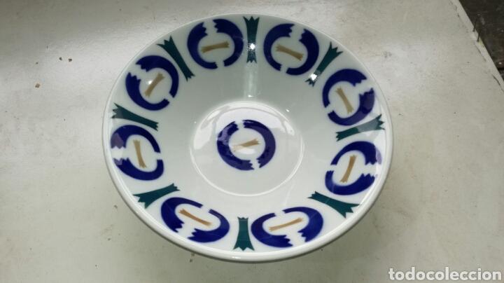 PLATO HONDO DE SARGADELOS CON FIRMA (Antigüedades - Porcelanas y Cerámicas - Sargadelos)
