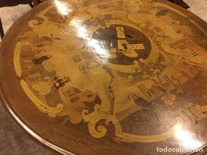 Antigüedades: Extraordinaria mesa de juego abatible con marqueteria policromada. Mide 94cms de diametro. Leer mas. - Foto 5 - 112617175