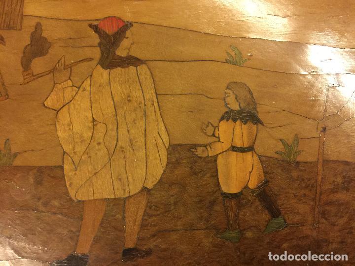 Antigüedades: Extraordinaria mesa de juego abatible con marqueteria policromada. Mide 94cms de diametro. Leer mas. - Foto 18 - 112617175