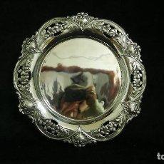 Antigüedades: PLATO EN PLATA LEY MARCADO CON CONTRASTE. Lote 112659391