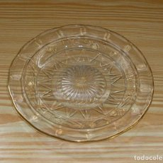 Antigüedades: PLATO DE CRISTAL PRENSADO Y PERFIL DORADO.17 CM. Lote 116011106