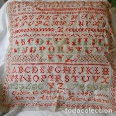 Antigüedades: ABECEDARIO BORDADO DE 1895. Lote 112705019