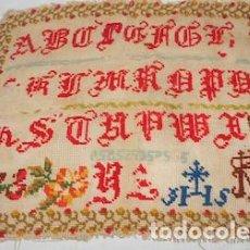 Antigüedades: ABECEDARIO BORDADO SIGLO XIX , NO FIGURA FECHA. Lote 112705143