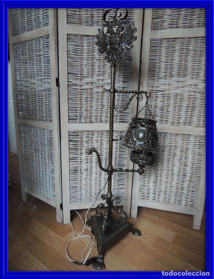 LAMPARA DE HIERRO DE SUELO RENACIMIENTO (Antigüedades - Iluminación - Lámparas Antiguas)