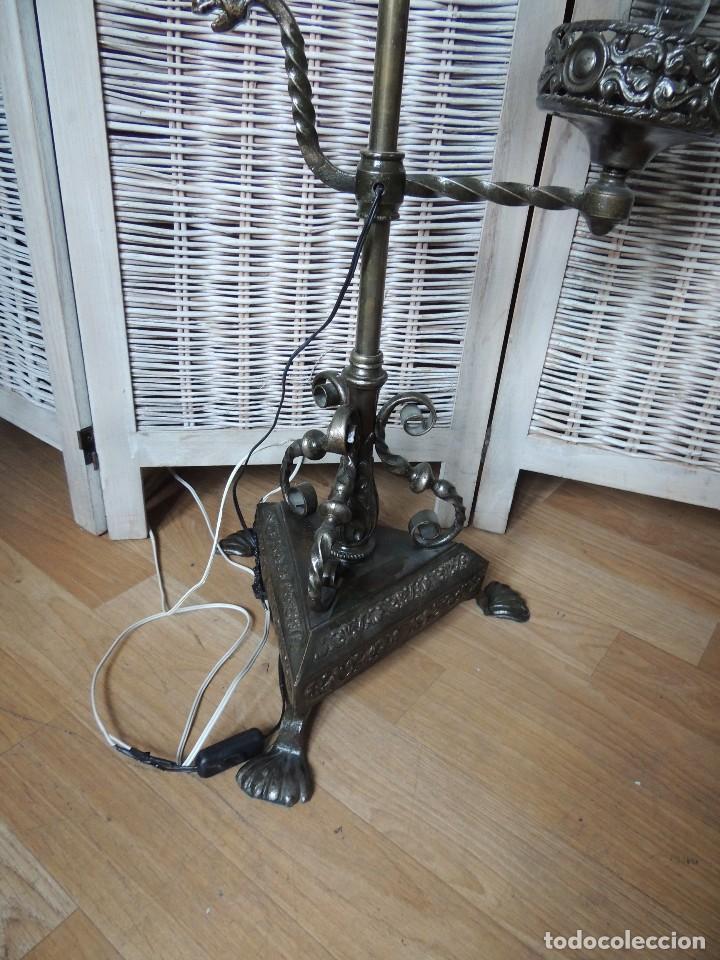 Antigüedades: LAMPARA DE HIERRO DE SUELO RENACIMIENTO - Foto 4 - 112709787