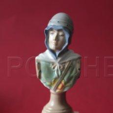 Antigüedades: BUSTO DE PORCELANA DE CRISTIANO - ALCOY Y SUS MOROS Y CRISTIANOS EN ABRIL - COMERCIAL LAO. Lote 110786683