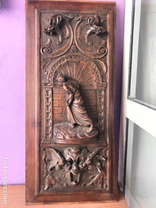 Impresionante Puerta Tallada En Madera De Casta Sold Through