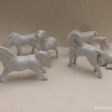 Antigüedades: 6 CABALLOS EN MINUATURA PORCELANA CHINA 7X5X2CM. Lote 112753184