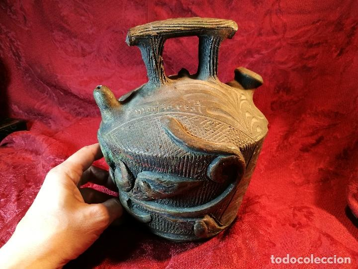 BOTIJO. CERÁMICA PATINADA. RECUERDO DE MONTSERRAT. ESPAÑA. SIGLOS XIX-XX (Antigüedades - Porcelanas y Cerámicas - Catalana)