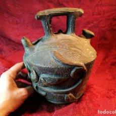 Antigüedades: BOTIJO. CERÁMICA PATINADA. RECUERDO DE MONTSERRAT. ESPAÑA. SIGLOS XIX-XX . Lote 112801295