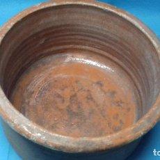 Antigüedades: ANTIGUA ANTIGUO CAZUELA HOLLA PARA PUCHERO DE BARRO PARA CHIMENEAS MUY PESADA Y FUERTE. Lote 112803039