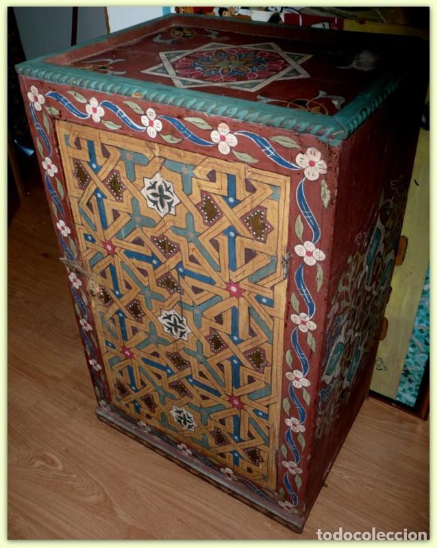 Antiguo mueble artesanal pintado a mano marru comprar Muebles antiguos pintados a mano