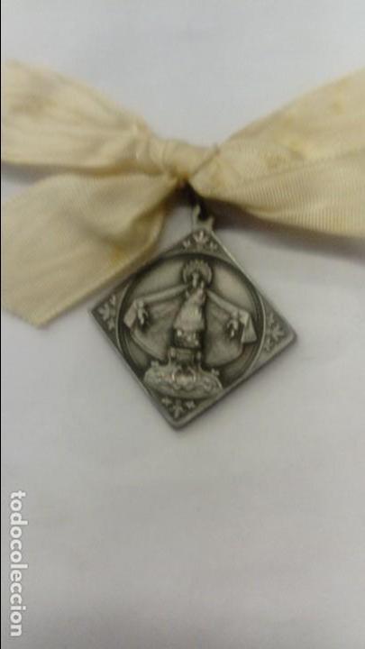 MEDALLA DE LA VIRGEN DEL PILAR LAUS PERENNIS (Antigüedades - Religiosas - Medallas Antiguas)