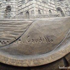 Antigüedades: CURIOSO EN MADERA RELIEVE PAZO DEL CAUDILLO 18 CM.. Lote 112914319