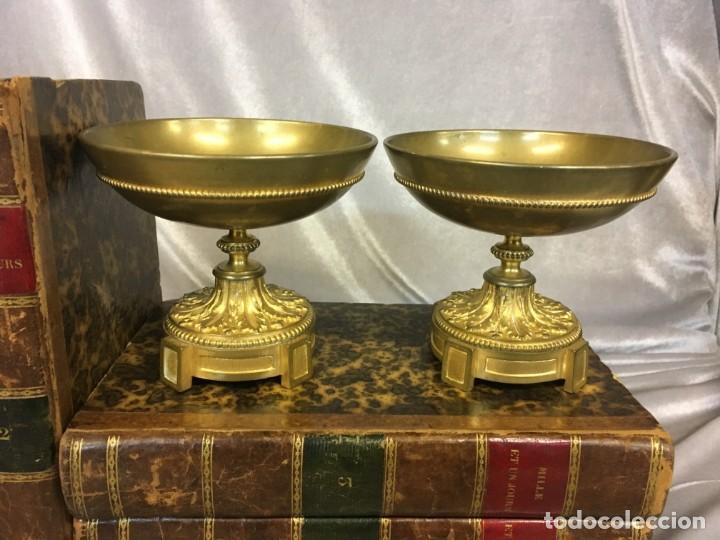 PAREJA DE CASSOLETTES COPAS DE BRONCE DORADO S. XIX FRANCIA (Antigüedades - Hogar y Decoración - Copas Antiguas)