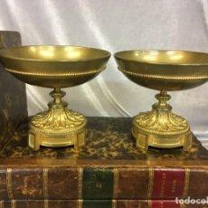 Antigüedades: PAREJA DE CASSOLETTES COPAS DE BRONCE DORADO S. XIX FRANCIA. Lote 112928487