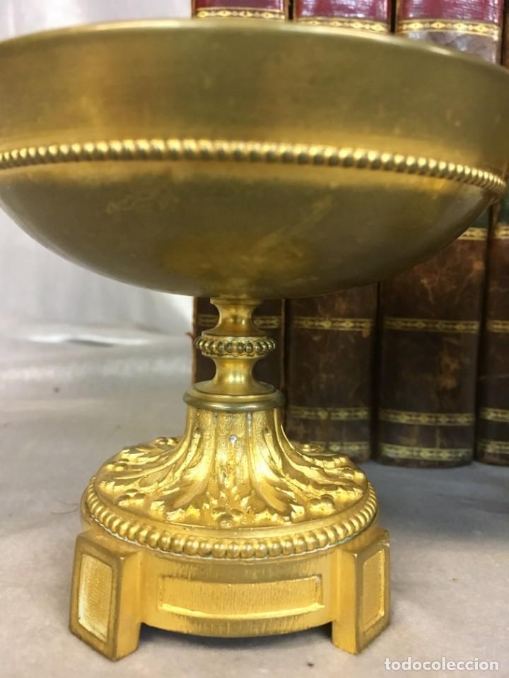 Antigüedades: Pareja de cassolettes copas de bronce dorado S. XIX Francia - Foto 5 - 112928487