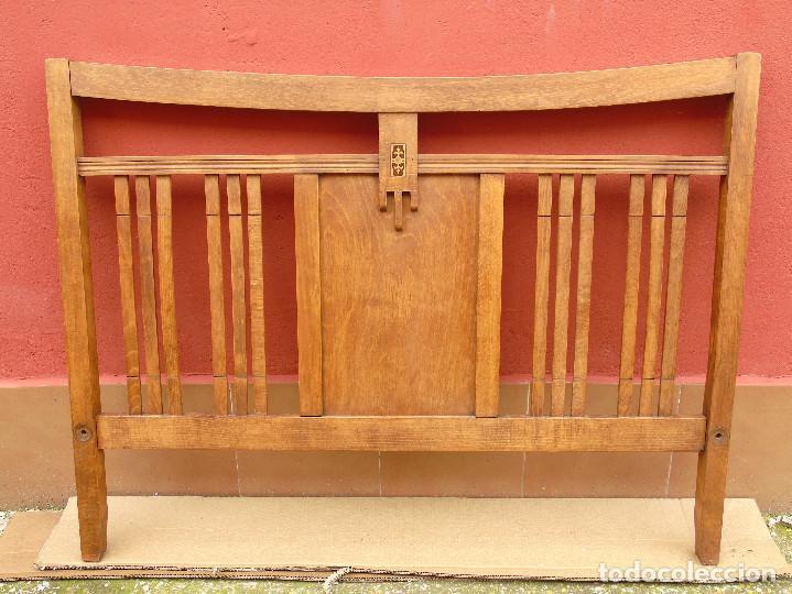 ANTIGUO CABECERO DE CAMA. MODERNISTA. CON TARACEA. PRINCIPIOS SG. XX. RESTAURADO. (Antigüedades - Muebles Antiguos - Camas Antiguas)
