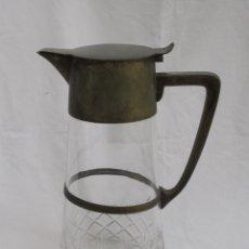 Antigüedades: JARRA DE CRISTAL TALLADO CON MANGO Y TAPADERA DE ALPACA. Lote 113050251
