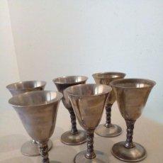 Antigüedades: JUEGO DE 6 BONITAS COPAS EN METAL PLATEADO, FABRICADAS EN ESPAÑA POR VALERO.. Lote 113066379