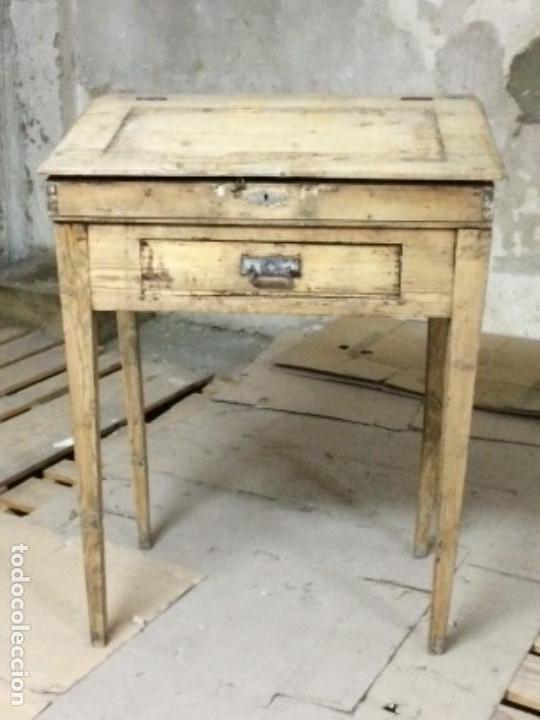 Antiguo escritorio rustico de madera de pino vendido en - Escritorios rusticos de madera ...