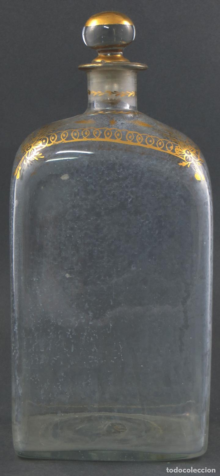 BOTELLA GARRAFA LICORERA CRISTAL SOPLADO Y PINTADA EN ORO LA GRANJA SIGLO XIX (Antigüedades - Cristal y Vidrio - La Granja)