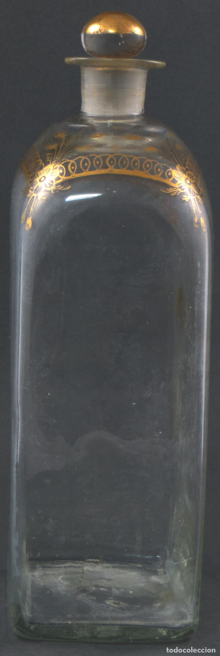Antigüedades: Botella garrafa licorera cristal soplado y pintada en oro La Granja siglo XIX - Foto 2 - 113073243