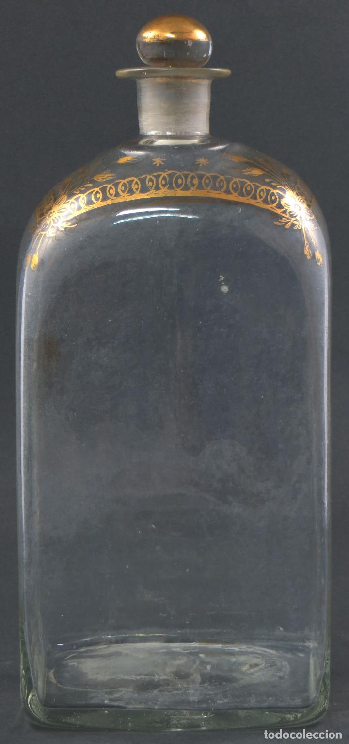 Antigüedades: Botella garrafa licorera cristal soplado y pintada en oro La Granja siglo XIX - Foto 3 - 113073243