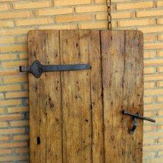 Antigüedades: HOJA DE CONTRAVENTANA EN PINO. Lote 140780014