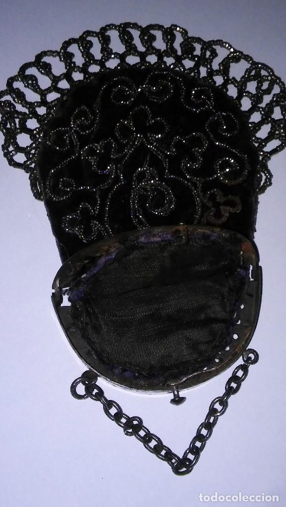 Antigüedades: Miniatura bolso, bolsito monedero de terciopelo bordado, época victoriana (1837-1901) antiguo s XIX - Foto 18 - 113119475