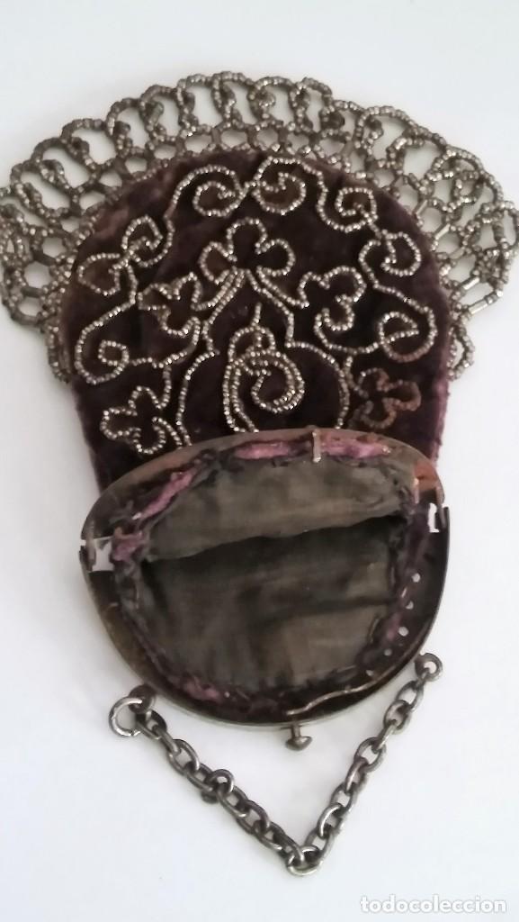 Antigüedades: Miniatura bolso, bolsito monedero de terciopelo bordado, época victoriana (1837-1901) antiguo s XIX - Foto 19 - 113119475