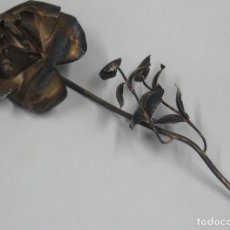 Antigüedades: PRECIOSA ROSA DE PLATA. GRANDE. Lote 113138079