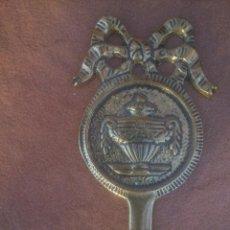 Antigüedades: COLGADOR EN BRONCE. Lote 123219387