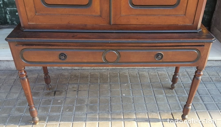 Antigüedades: LIBRERÍA. ESTILO ISABELINA. MADERA DE NOGAL. ESPAÑA. SIGLO XIX. - Foto 4 - 113176723