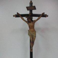 Antigüedades: CRUCIFIJO - CRISTO A LA CRUZ - MADERA POLICROMADA - MODELO - SELLO ARTE CRISTIANO, OLOT -S.XIX. Lote 113192431