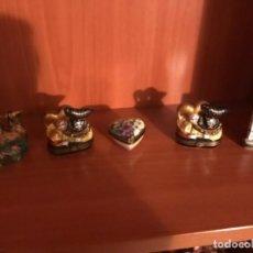 Antigüedades: LIMONGES LOTE DE 6 CAJITAS EN PORCELANA FRANCESA LIMONGES SIGLO XIX PINTADA Y FIRMADAS. Lote 113207711