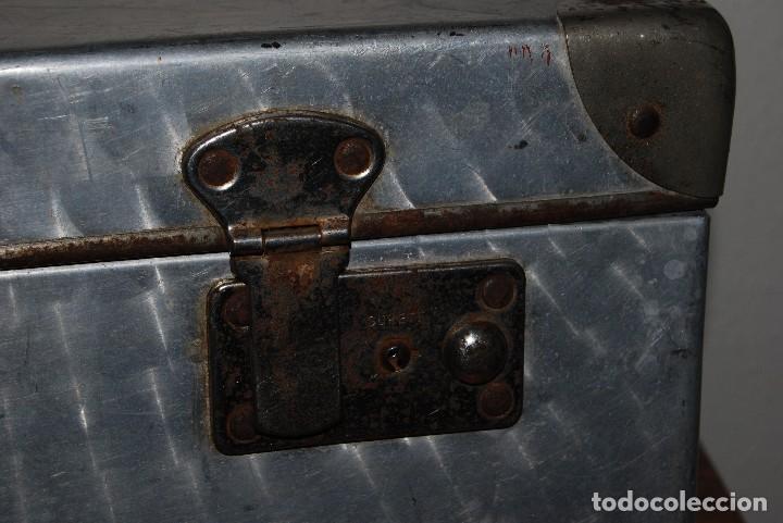 Antigüedades: ORIGINAL MALETA DE METAL - FRANCIA - AÑOS 40 - Foto 6 - 113224447