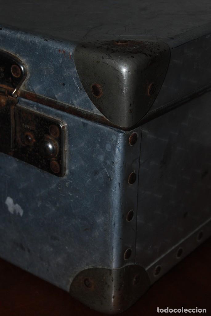 Antigüedades: ORIGINAL MALETA DE METAL - FRANCIA - AÑOS 40 - Foto 8 - 113224447